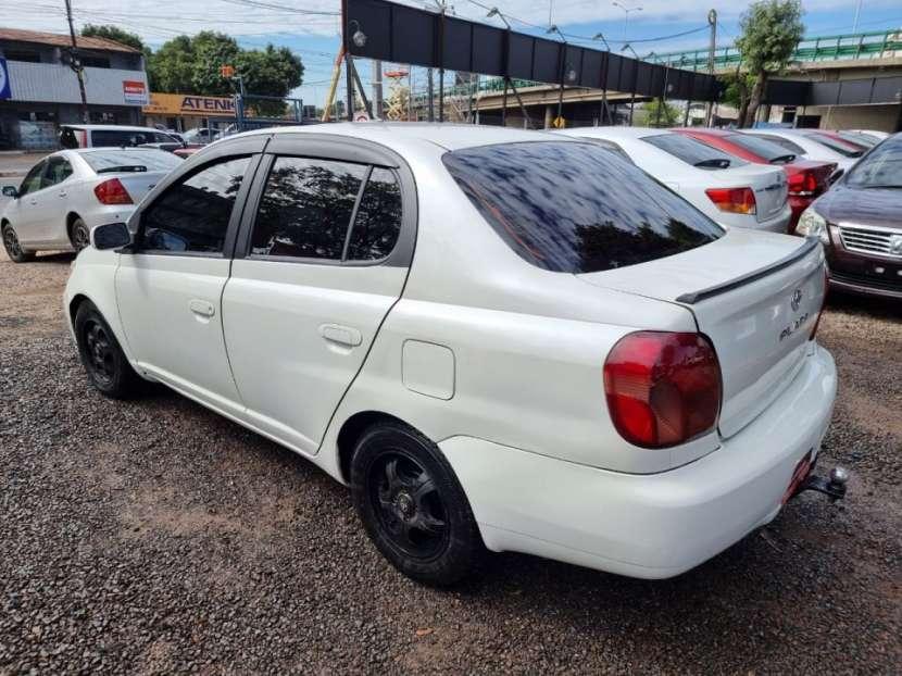 Toyota Platz 2000 - 2