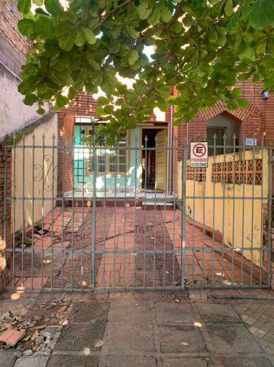 Casa en Barrio Bernardino Caballero - 2