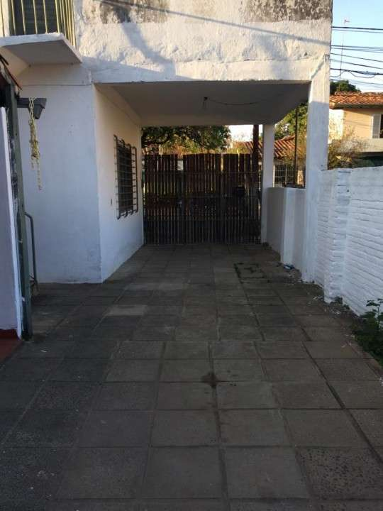 Terreno en barrio Herrera - 3