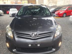 Toyota new auris 2010