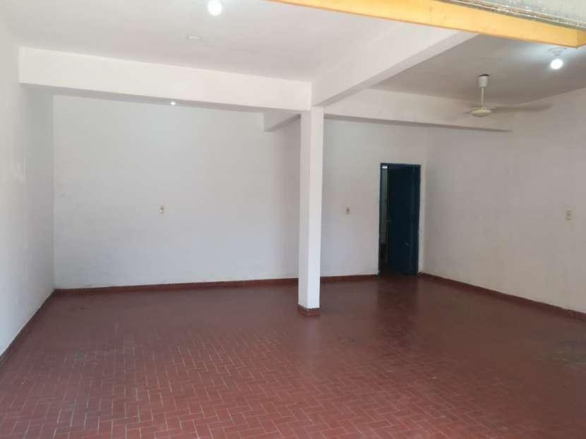Salón comercial en Asunción - 2