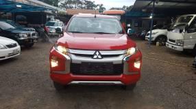 Mitsubishi L200 Triton 2021 diésel automático 4x4 0km