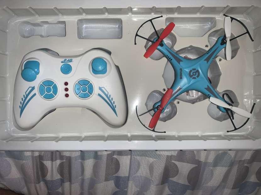 Dron azul - 0