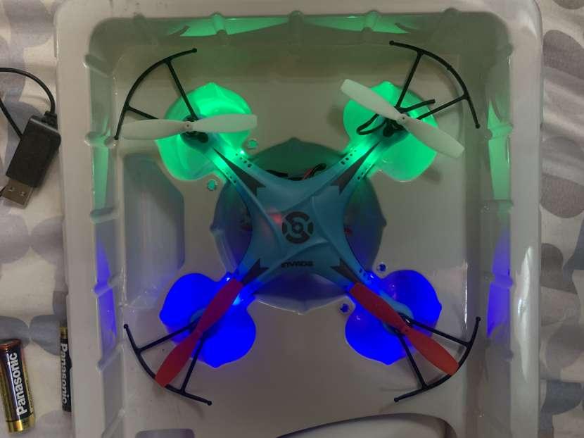 Dron azul - 2