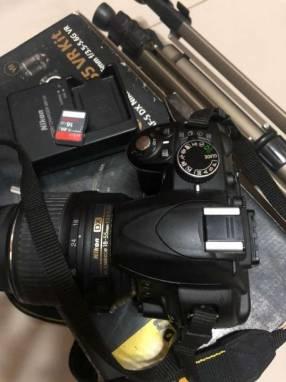 Camara Nikon D3100 18-55mm
