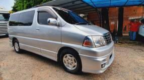 Toyota Grand Hiace Pasajero 2001