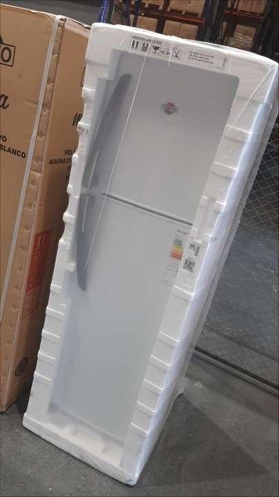 Heladera Tokyo Magna Plus 300 litros frío húmedo - 0