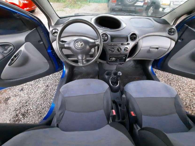Toyota Vitz 2001 - 3