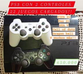 PS3 con 2 controles y 22 juegos cargados