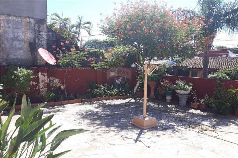 Casa con Departamento - Barrio Nazareth - 2