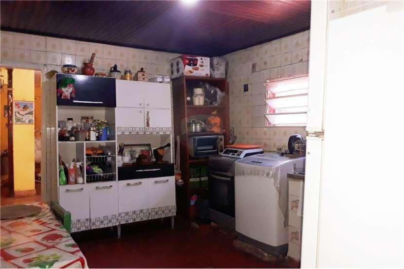 Casa con Departamento - Barrio Nazareth - 4