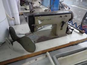 Máquina de coser industrial Marro