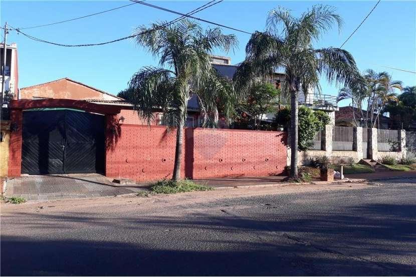 Casa con Departamento - Barrio Nazareth - 0