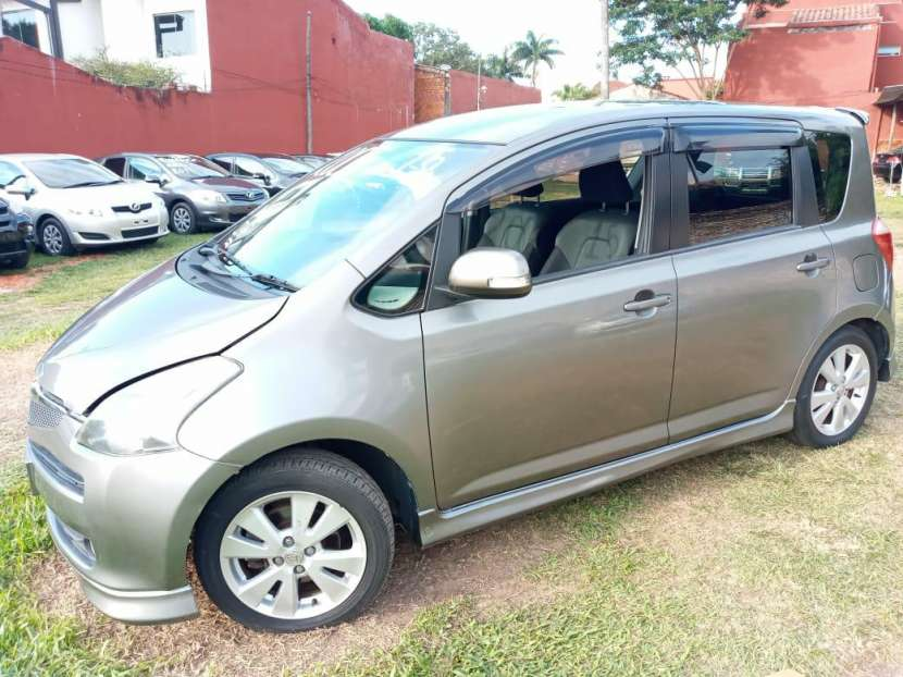 Toyota Ractis 2006 - 2