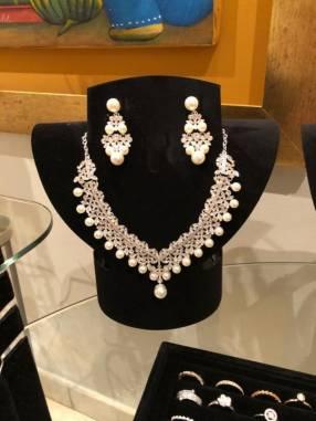 Conjunto de collar y aros de plata 925