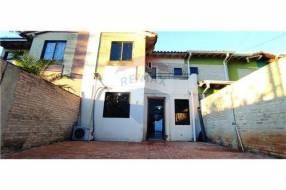 Duplex en Asuncion Loma Pyta