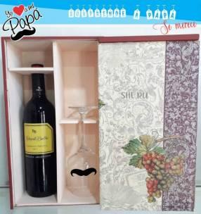 Caja de vino con copa