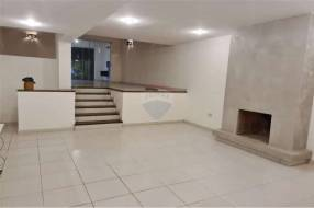 Fina residencia en Barrio hipódromo de Asunción