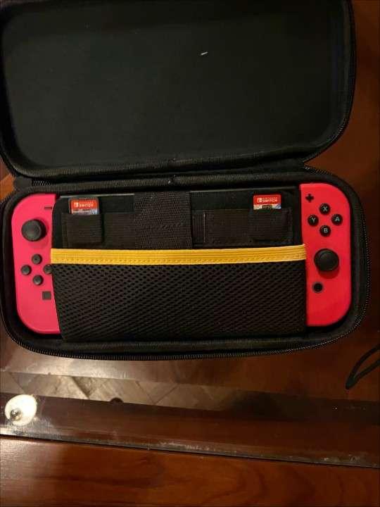 Nintendo Switch - 0