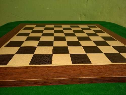 Tablero artesanal de ajedrez de madera 50x50 cm - 1