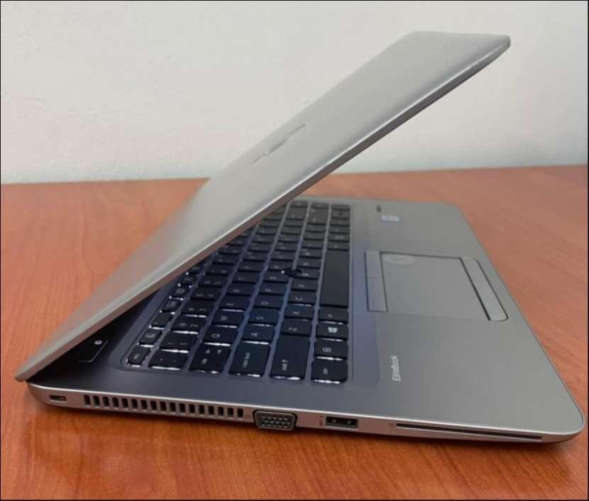 HP Elitebook Intel i5 SSD + HDD 8gb ram - 3