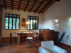 Casa en zona Norte Fernando de la Mora E2365