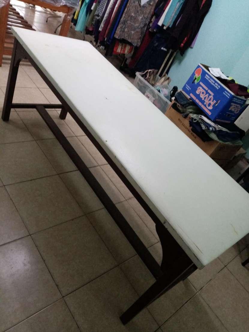 Camilla de madera tapizado blanco - 1