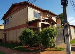 Casa en Luque Villa Adela en esquina E2369