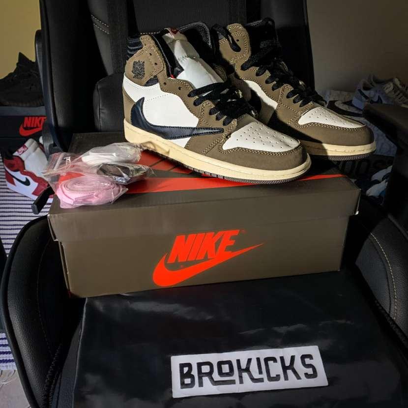 Calzado Air Jordan 1 Travis Scott - 0