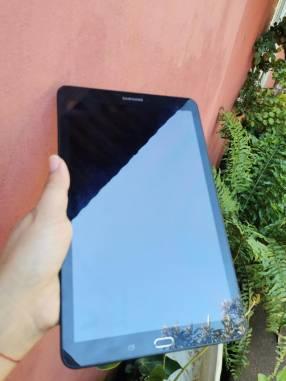 Tablet Samsung E 9.6 pulgadas