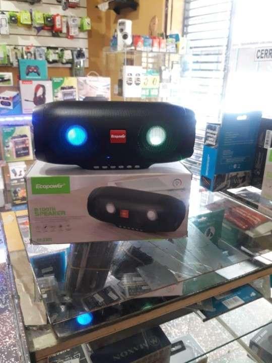 Speaker a bluetooth USB y radio FM - 0