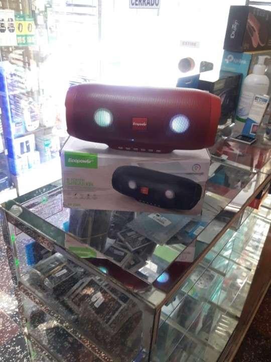 Speaker a bluetooth USB y radio FM - 1