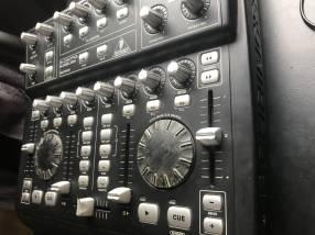 Controlador DJ Behringer BCD 3000