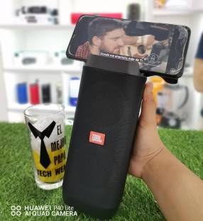 Parlante JBL con porta celular