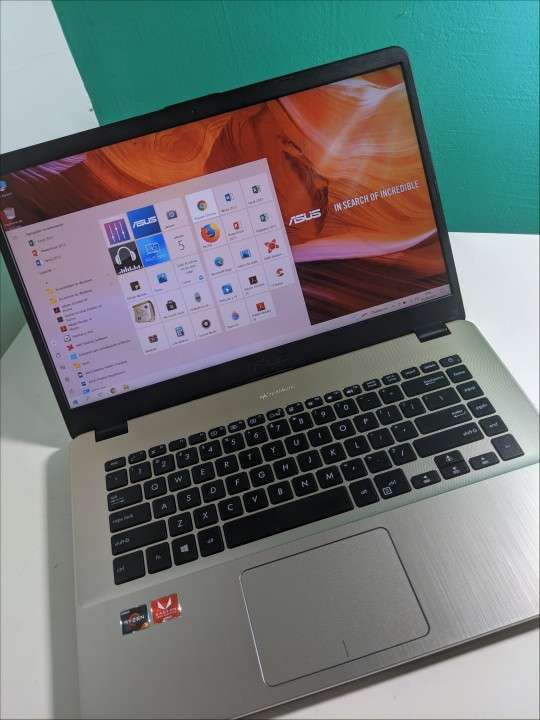 Notebook Asus VivoBook Ryzen 15 pulgadas Ultra Slim - 5