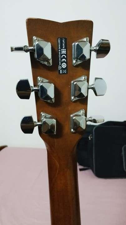 Guitarra Acústica con Microfono Yamaha FX310A II - 3