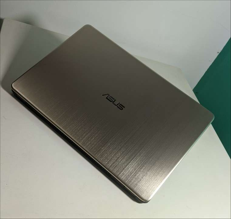 Notebook Asus VivoBook Ryzen 15 pulgadas Ultra Slim - 7