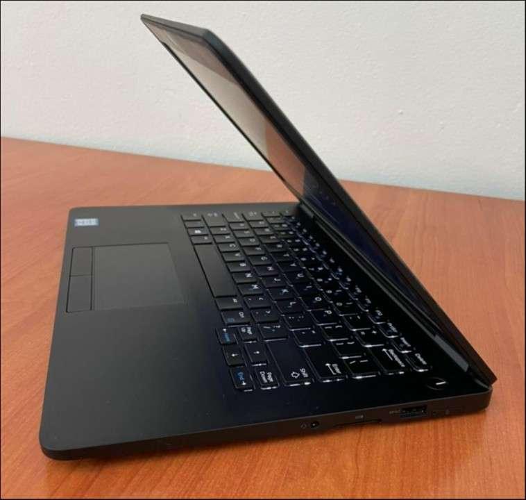 Dell e7270 i7 8gb ddr4 SSD M.2 - 5