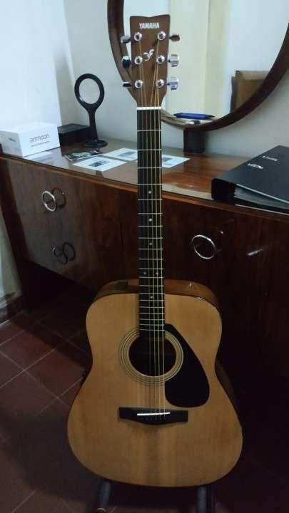 Guitarra Acústica con Microfono Yamaha FX310A II - 0