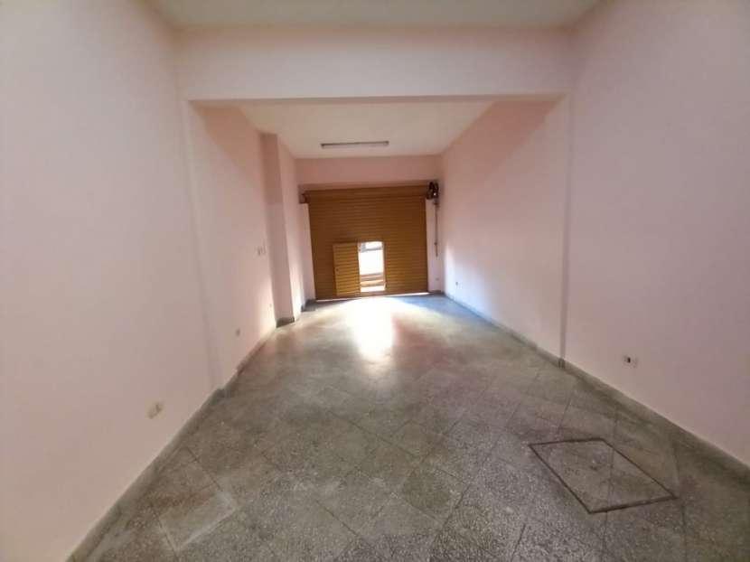 Salón en Barrio Catedral - 1