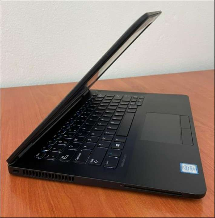 Dell e7270 i7 8gb ddr4 SSD M.2 - 4