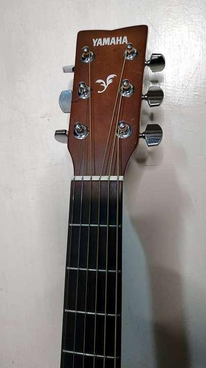 Guitarra Acústica con Microfono Yamaha FX310A II - 2