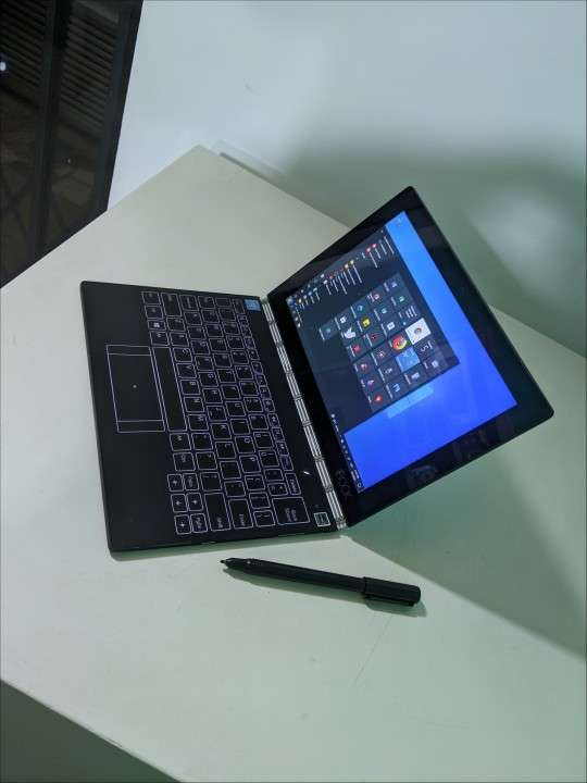 Notebook Lenovo Yoga Book TouchScreen 360 Grados!!! - 1