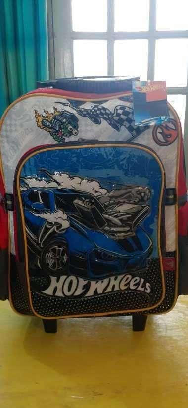 Mochila nueva c/ ruedita Hot Wheels - 3