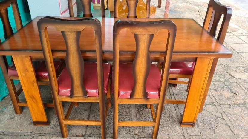 Juego de mesa con 6 sillas - 0
