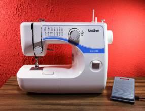 Máquina de coser Brother LX-3125