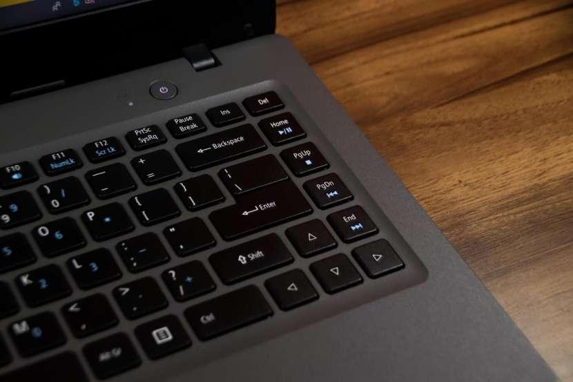 Notebook Acer Aspire One CloudBook - 3