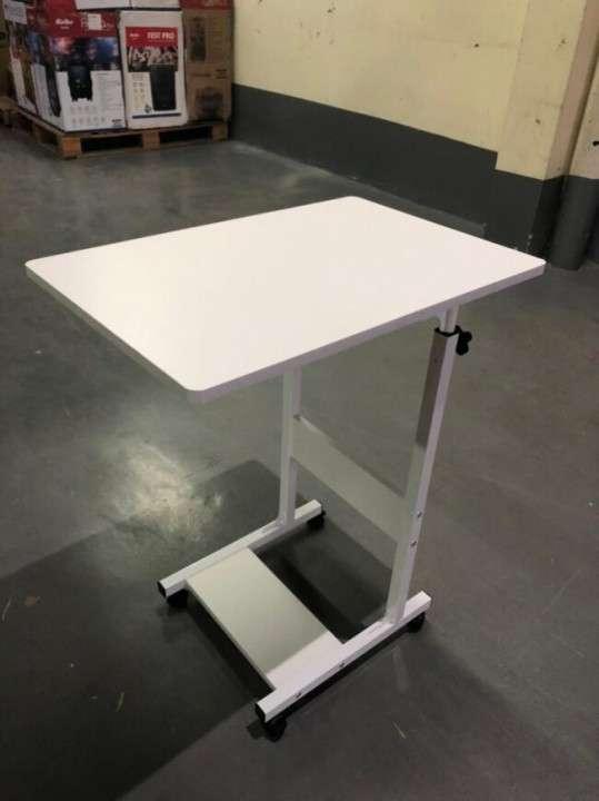 Mesa para laptop multifunción color blanco (4006) - 1