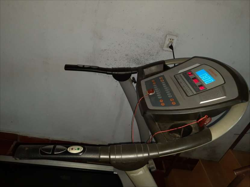 Caminadora Athletic 990T - 1