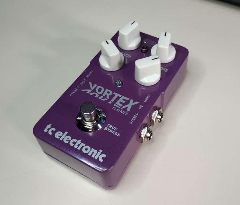Pedal p/ guitarra eléctrica TC Electronic Vortex Flanger - 1